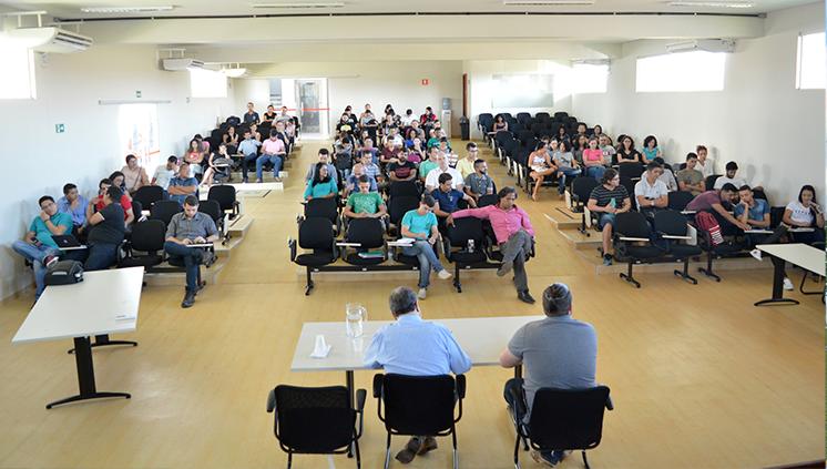 Comunidade acadêmica do Iedar se reúne com administração superior para discutir demandas